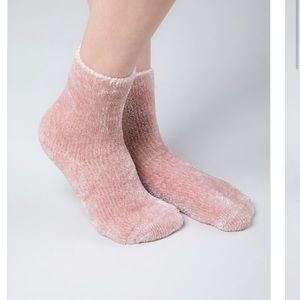 🆕 Blush Chenille Socks